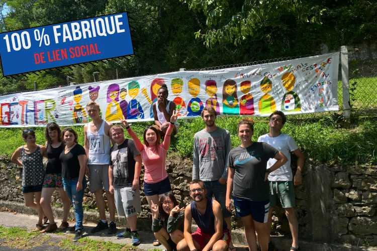 PORTRAIT D'ACTEUR: des chantiers de jeunes volontaires internationaux qui sèment du lien social en Périgord Noir   100% Fabrique de lien social